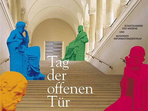 Bildsprache. »Visuell kommunizieren«. Sie sehen die Entwicklung von Bildmotiv und Werbemedien für die Bewerbung des »Tag der offenen Tür« der Bayerischen Staatsbibliothek München. Einmal im Jahr öffnen sich die Pforten der Bayerischen Staatsbibliothek, um Interessierten Einblicke in die vielfältigen Abteilungen und Projekte zu gewähren. Wir erhielten den Auftrag, die Werbemedien für diese Veranstaltung zu gestalten und zu produzieren. Die vor dem Eingang an der Freitreppe positionierten vier Philosophen gefielen uns sehr gut als Bildmotiv. Thukydides, der Begründer der wissenschaftlichen Geschichtsschreibung, Homer, der Dichter von Ilias und Odyssee, Aristoteles, Philosoph und Lehrer Alexander des Großen sowie Hippokrates, der berühmteste Arzt der Antike. Sie erschienen uns wie die Hausherren der Bayerischen Staatsbibliothek. Und als diese kam ihnen die Begrüßung der Gäste zu. So holten wir die von Ludwig von Schwanthaler entworfenen überlebensgroßen Steinfiguren bildlich gesprochen ins Gebäude, um sie links und rechts der Prachttreppe zu positionieren. Um Ihnen frisches Leben einzuhauchen, schickten wir sie in die »Maske«. Dort bekamen sie in den unendlichen Farbgebungsmöglichkeiten unseres Photoshop-Programmes einen neuen Anstrich in frischen Farben. Nun konnten die Gäste kommen! Wir entwickelten dieses Bildmotiv als Key Visual, das zur Basis für die Gestaltung von Plakat, Informationsflyer und Anzeigen im Corporate Design wurde.